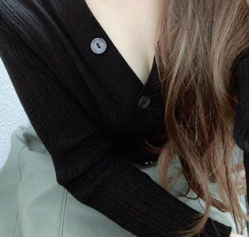 月の真珠-新宿-に在籍する百瀬あみの自撮り写真